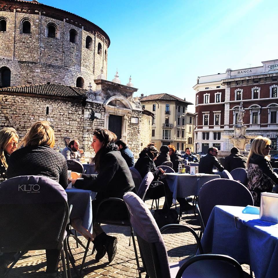 dolcevite piazza Duomo Paolo VI